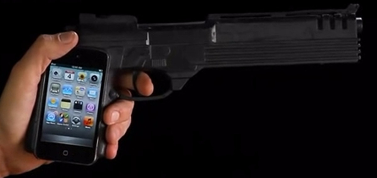 iPhone Gun.jpg